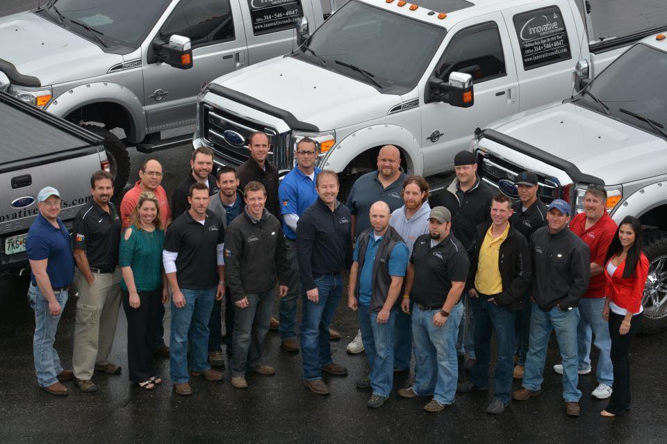 Roofing-Contractor-team
